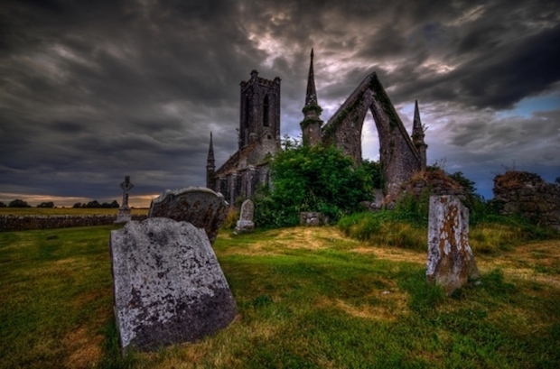 the-once-magnificent-church-and-graveyard-in-ireland-now-lies-in-ruins-photo-by-jigs-fernandez--35831